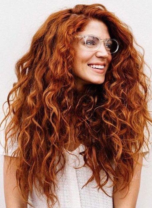 Saçımızı yıkarken çok şampuan kullanmak iyi midir? Her gün duş almak saça zarar verir mi?